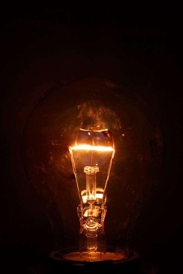 Brandende gloeilamp2